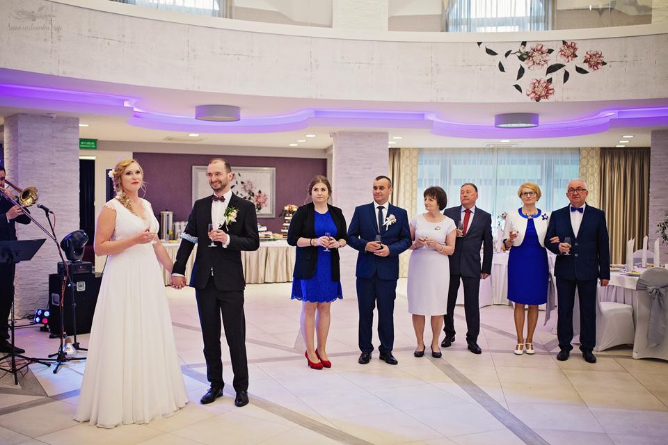 Fotograf ślubny Lublin Łęczna Stalowa Wola Sandomierz reportaż ślubny toast