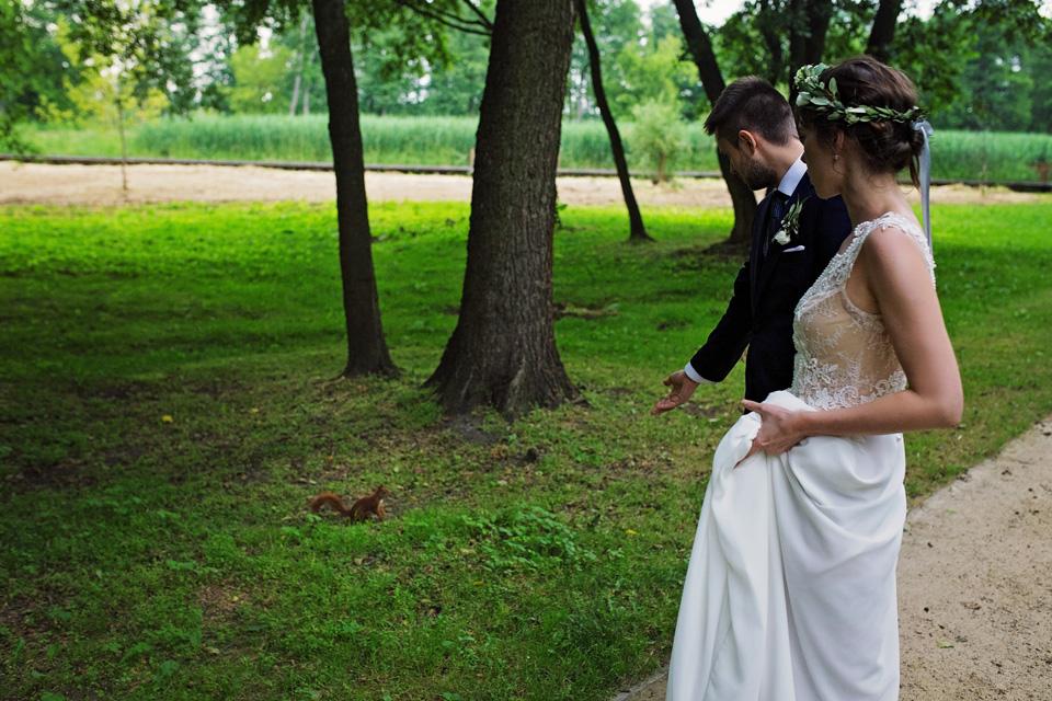 sesja slubna plener w parku w Lublinie 8