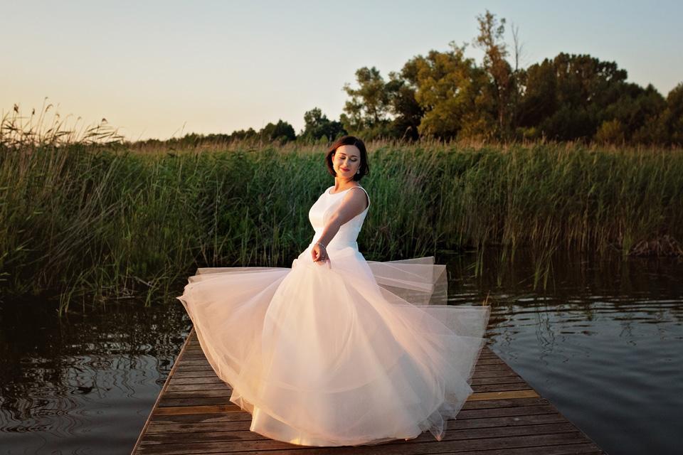 sesja ślubna nad jeziorem w Lublinie fotograf 69