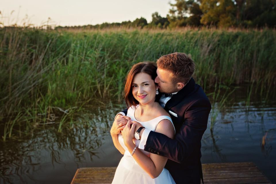 sesja ślubna nad jeziorem w Lublinie fotograf 68