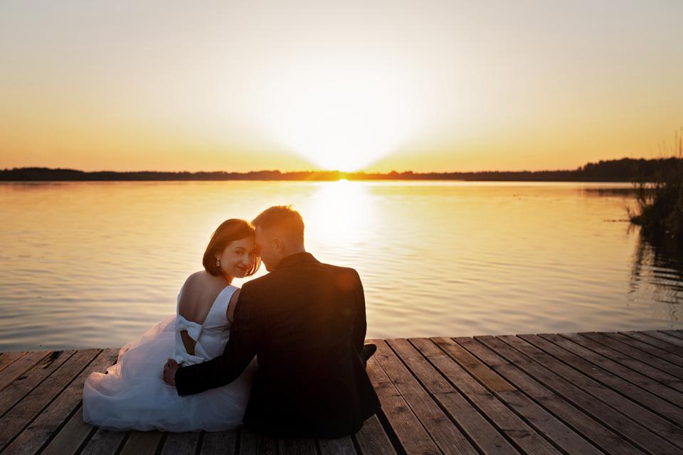 sesja ślubna nad jeziorem w Lublinie fotograf 66