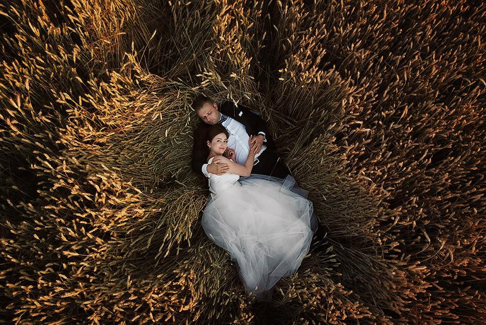 sesja ślubna nad jeziorem w Lublinie fotograf 99