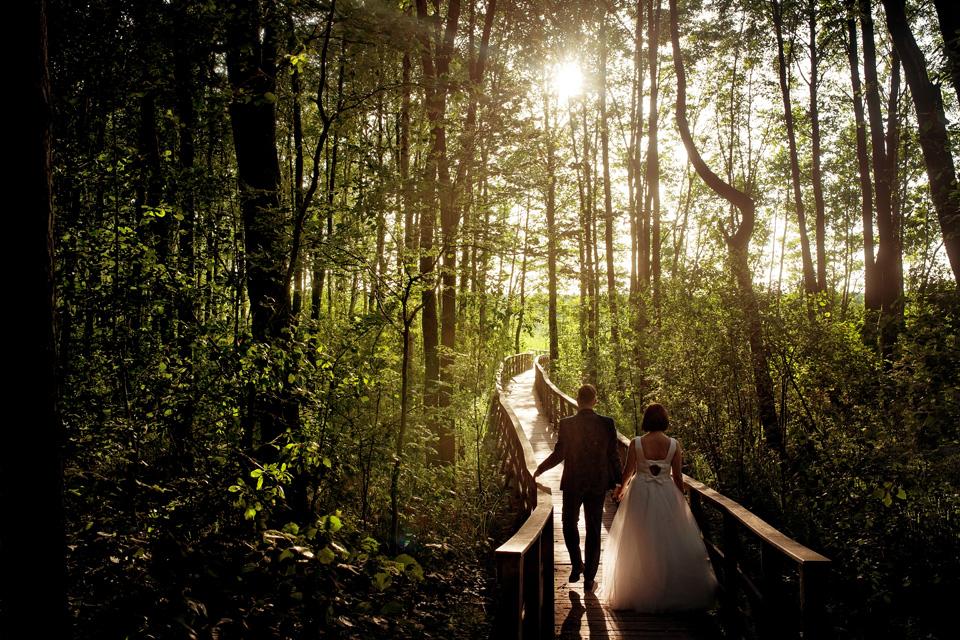 sesja ślubna nad jeziorem w Lublinie fotograf 51