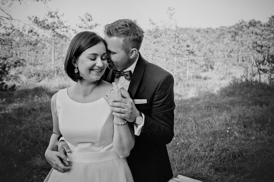 sesja ślubna nad jeziorem w Lublinie fotograf 50