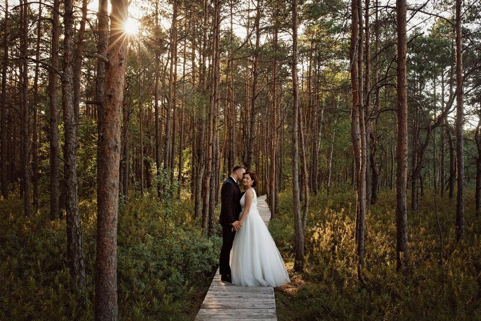 sesja ślubna nad jeziorem w Lublinie fotograf 49