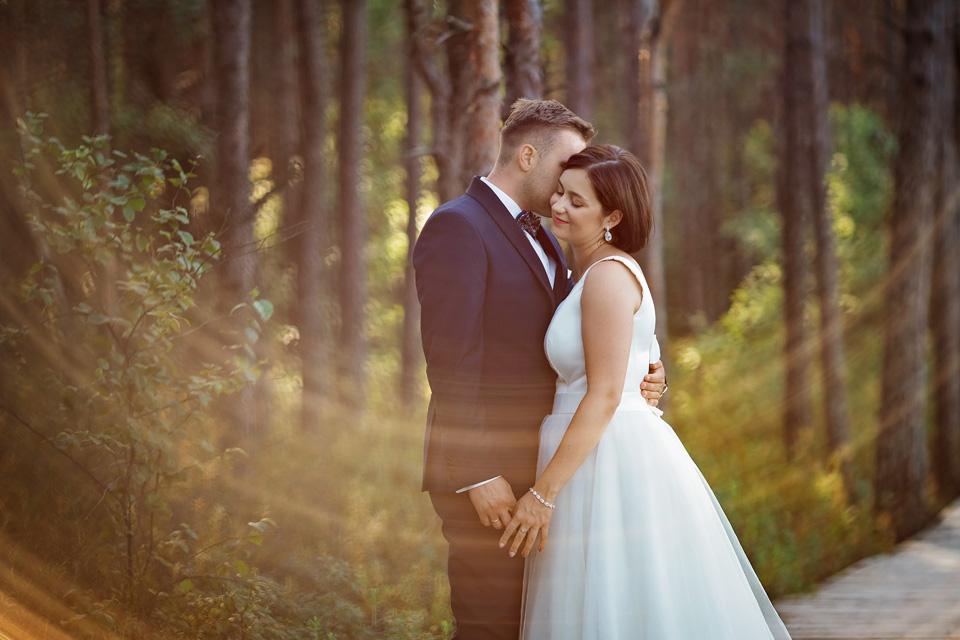 sesja ślubna nad jeziorem w Lublinie fotograf 44