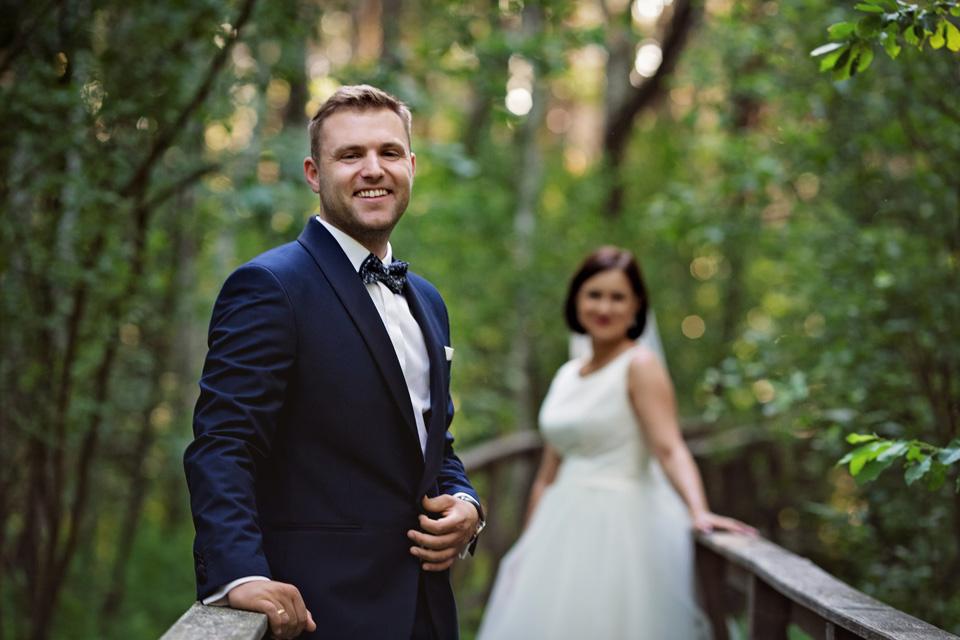 sesja ślubna nad jeziorem w Lublinie fotograf 39