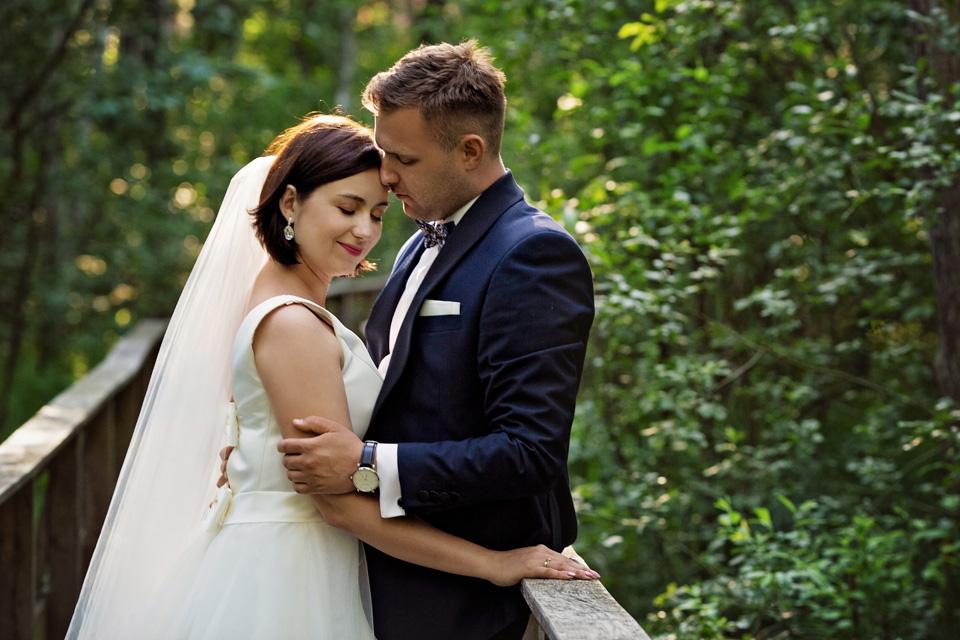 sesja ślubna nad jeziorem w Lublinie fotograf 31