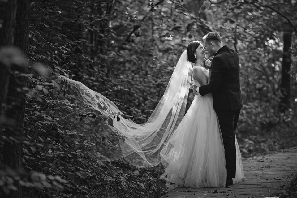 sesja ślubna nad jeziorem w Lublinie fotograf 26