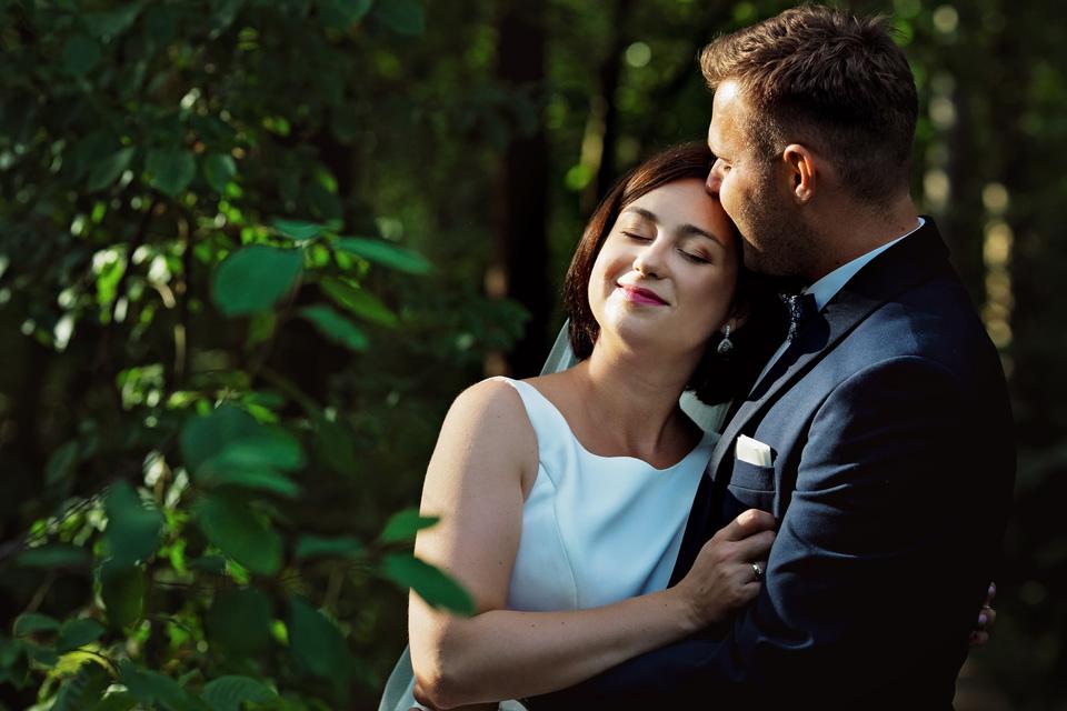 sesja ślubna nad jeziorem w Lublinie fotograf 18